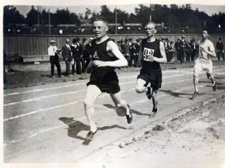 Paavo_Nurmi_at_the_1920_Olympic_trials